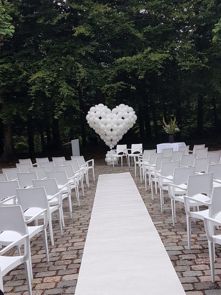 bruiloft tHofBergenBlooming 768x1024 - Ballonnen hart