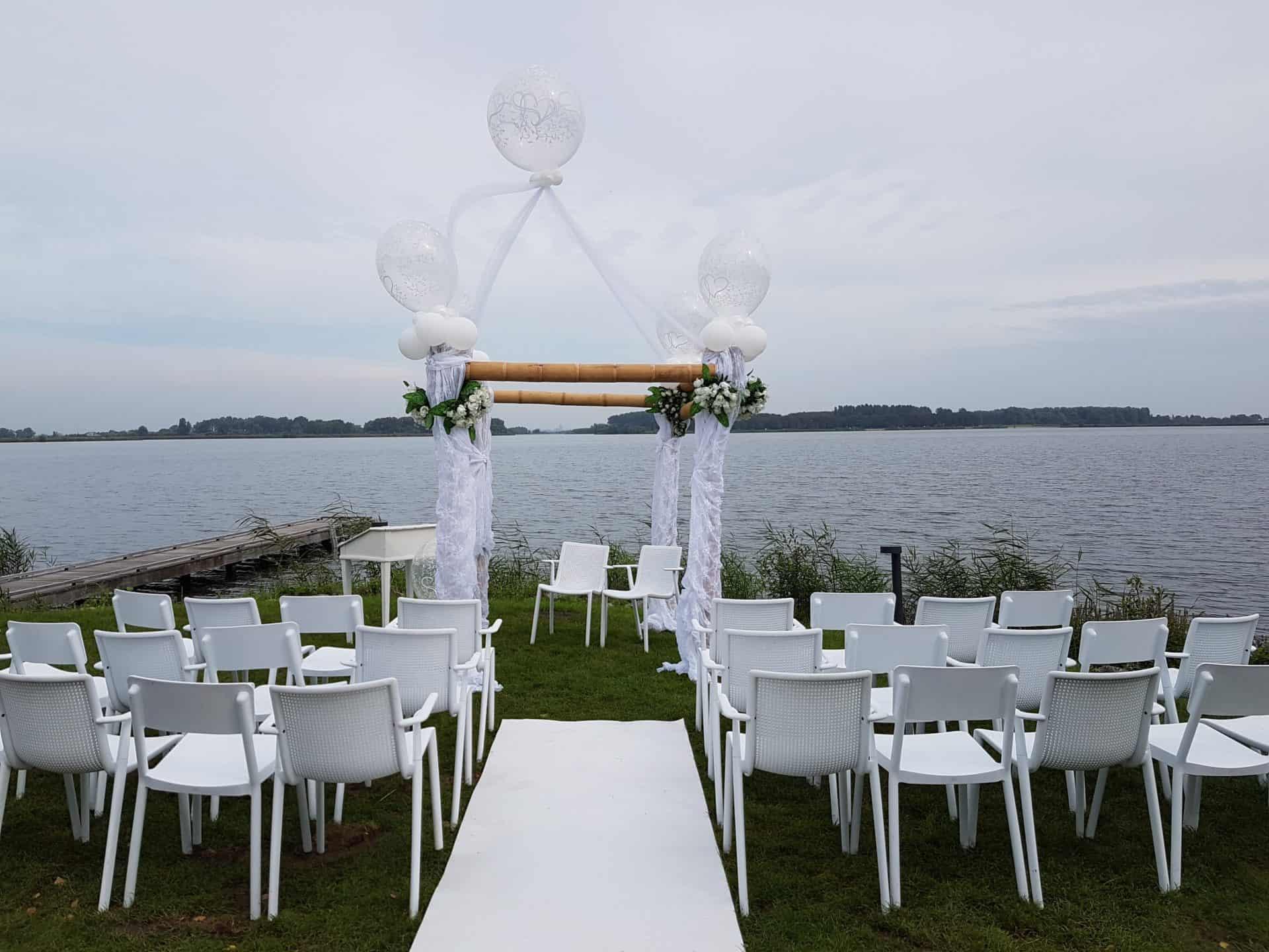 prieel-ballondecoratie-bruiloft-paviljoen-Twiske-oostzaan-het-pretpaleis