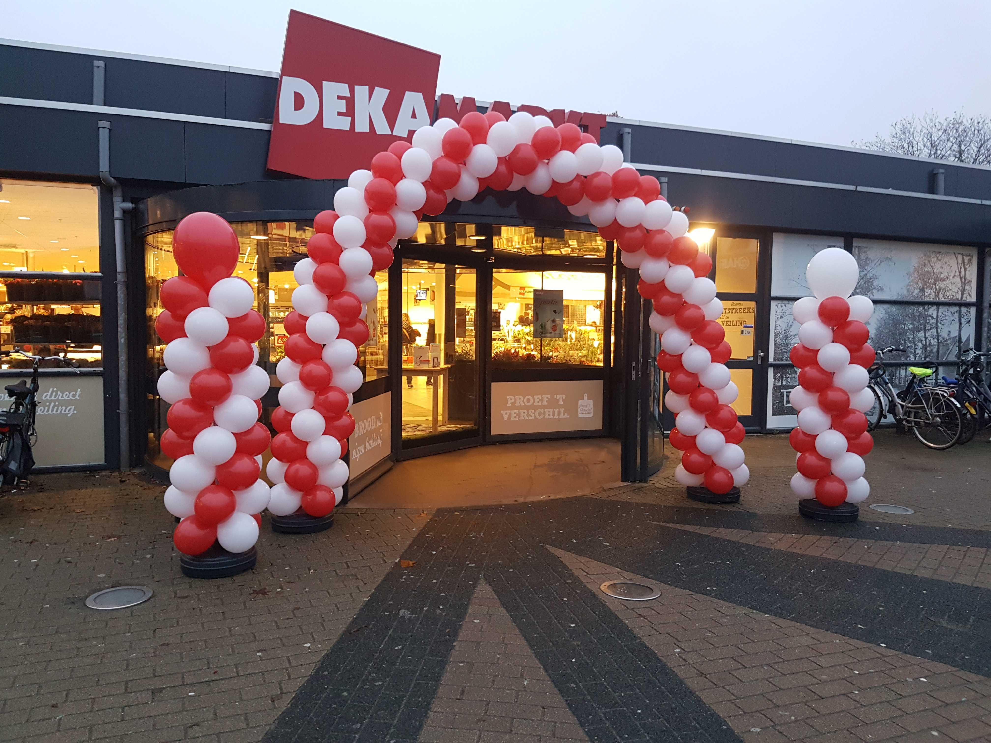 Opening-Dekamarkt-Heerhugowaard-ballonboog-ballonpilaren