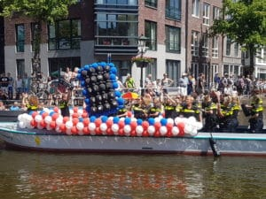 ballonslinger-politieboot-alkmaar-pride