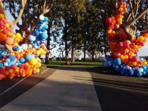organic-ballonnen-in-bomen-De-Decoratieballon-Alkmaar