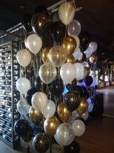 helium ballontros in glimmend goud, zilver, confetti print en marmer ballonnen