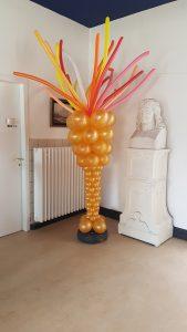 olympische-vlam-beker-van-ballonnen-personeelsfeest-olympisch-thema-Egmond-De-Decoratieballon-Alkmaar