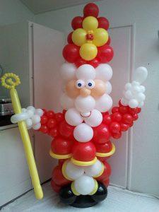 Sint-ballonpilaar-de-luxe-tot-in-de kleine details-van-ballonnen-De-Decoratieballon