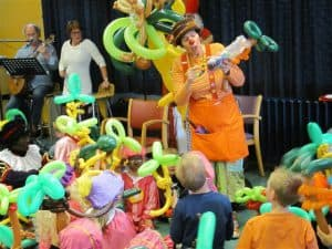 Sinterklaasfeest-Clown-Niekie-bedrijfsfeest-Alkmaar