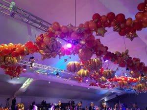 ballondecoratie-plafond-luxe-stijl-gala-feest-De Decoratieballon