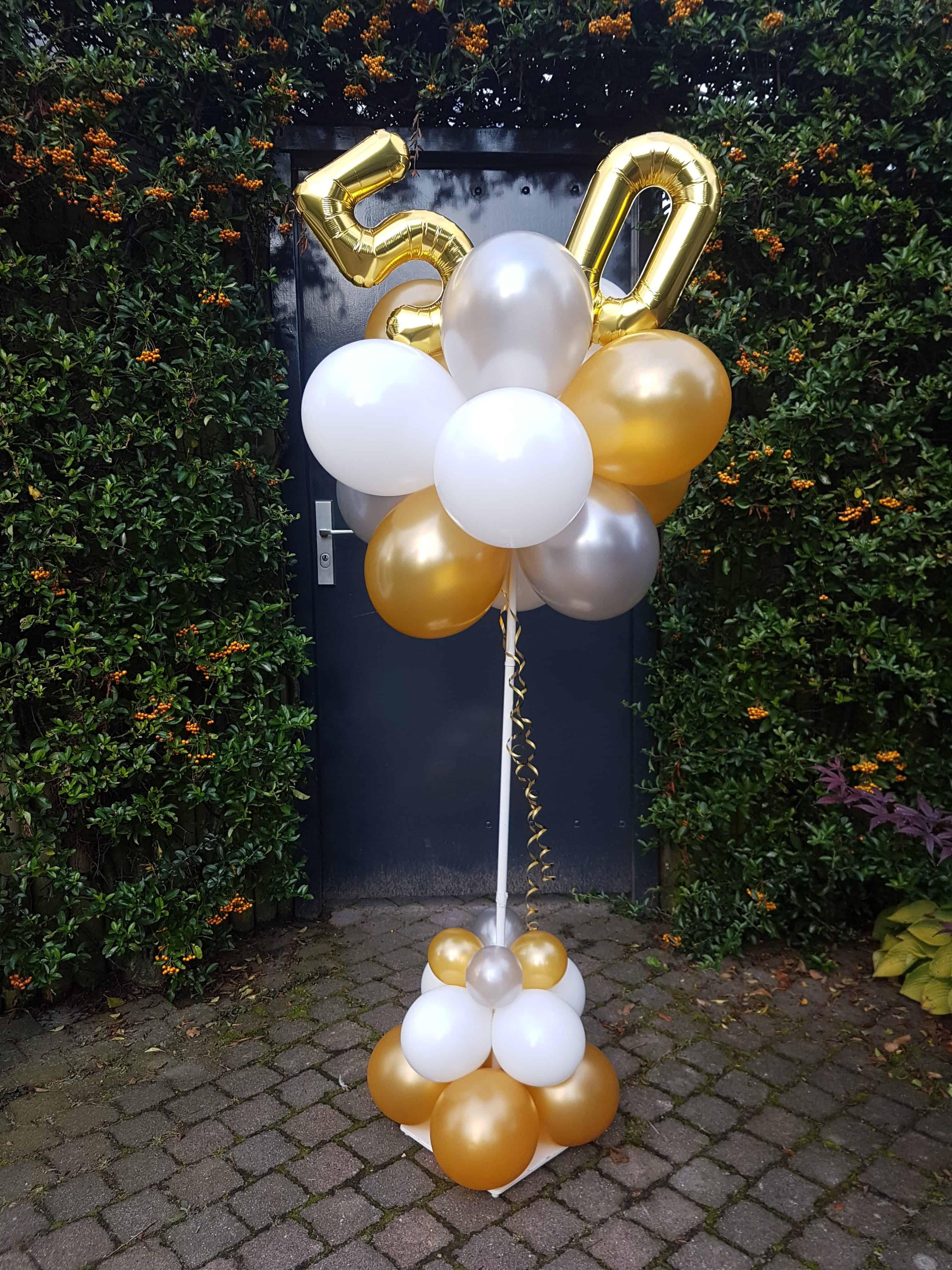 ballonpilaar met -ijferballonnen-Sarah-50-jaar
