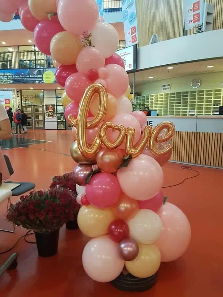 Valentijnsdag love organic ballonboog studentenraad ROC Westpoort Amsterdam De Decoratieballon