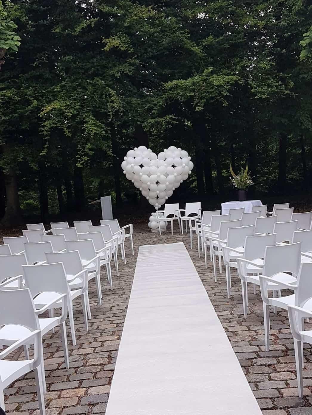 ballonhart-bruilodt-De-Decoratieballon-Alkmaar-ballondecoratie-Bergen