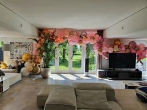 20210603 113513 300x225 - Organic ballondecoratie van allerlei maten ballonnen